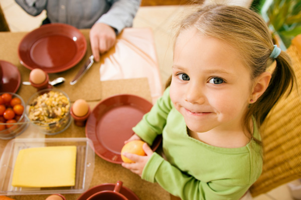 little-girl-with-table-manners