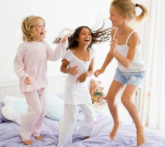 How to Throw the Ultimate Sleepover