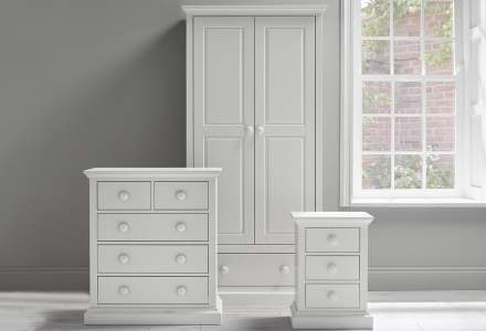 O&L furniture roomset